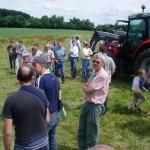 Une journée de démo sur du matériel agricole en prairie