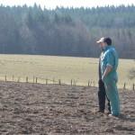 Une discussion avec un agriculteur sur une de ses parcelles